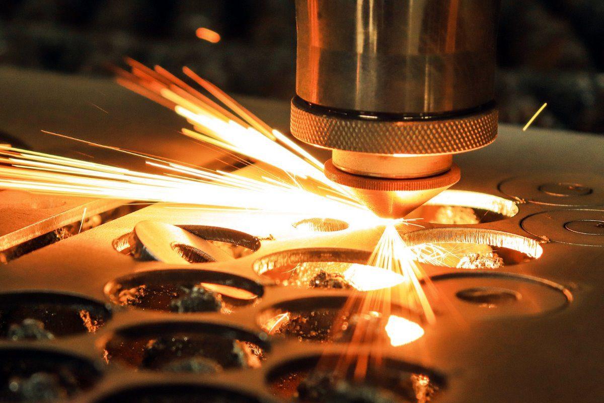 Laser Metallbearbeitung